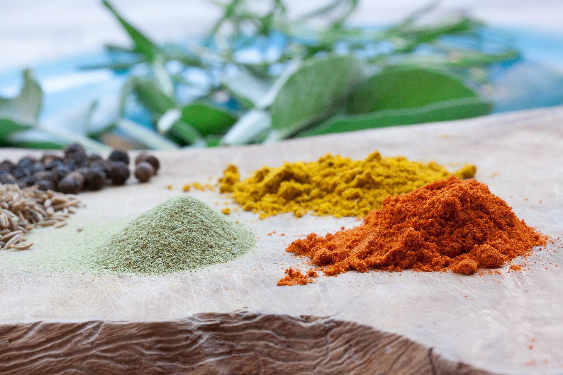 Colorer ses cheveux avec des plantes : les colorations végétales